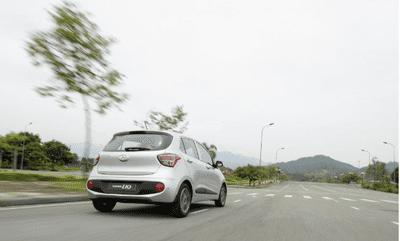 Giá xe Hyundai Grand i10 a4