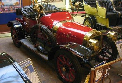 Peugeot Lion là 1 trong những mẫu xe ấn tượng của Peugeot.