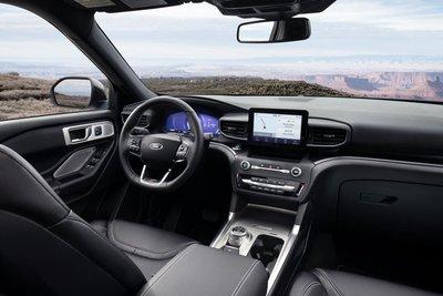 So sánh xe Ford Explorer 2020 và Ford Edge 2020 - Ex có màn hình hấp dẫn hơn