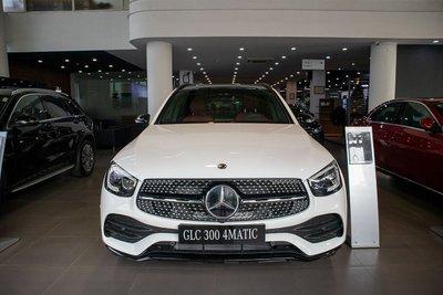"""Lô xe Mercedes-Benz GLC 300 4Matic 2020 đầu tiên vừa về Việt Nam đã...""""cháy hàng"""" a1"""