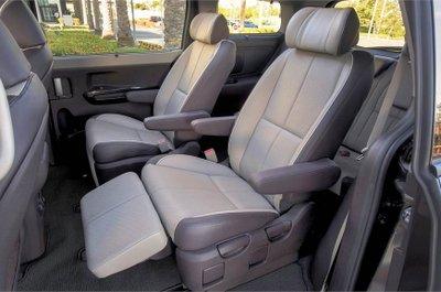 Mua xe MPV nên để ý gì - Tùy chọn mẫu ghế