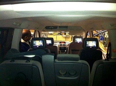 Mua xe MPV nên để ý gì - Giải trí ghế sau