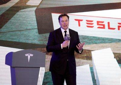Elon Musk trong lễ khởi động việc sản xuất xe Model Y tại nhà máy Thượng Hải.