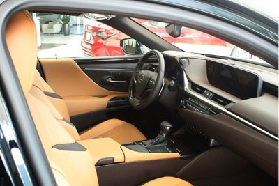 Thông số kỹ thuật xe Lexus ES 2020 A5