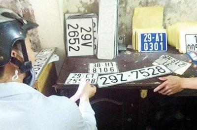 Sản xuất - sử dụng biển số xe giả bị xử phạt như thế nào? 3a