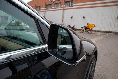 Ảnh chi tiết xe Tesla Model 3 vừa về Việt Nam q18