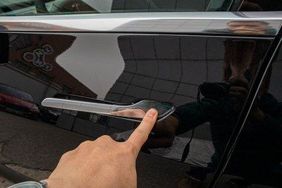 Ảnh chi tiết xe Tesla Model 3 vừa về Việt Nam a16