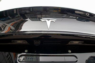 Ảnh chi tiết xe Tesla Model 3 vừa về Việt Nam a28