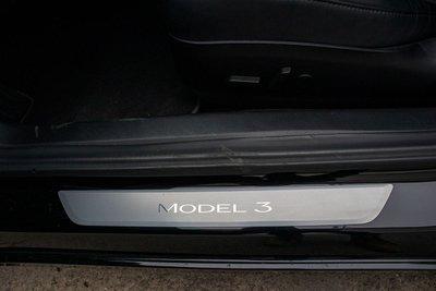 Ảnh chi tiết xe Tesla Model 3 vừa về Việt Nam a49