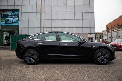 Ảnh chi tiết xe Tesla Model 3 vừa về Việt Nam a6