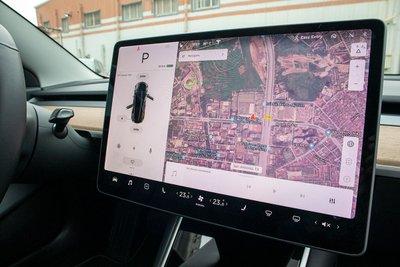 Ảnh chi tiết xe Tesla Model 3 vừa về Việt Nam a32