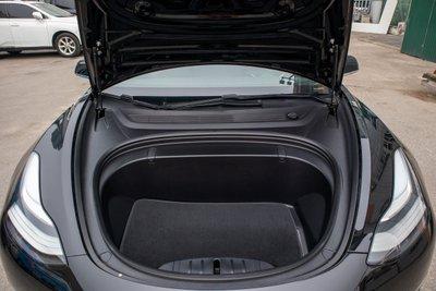 Ảnh chi tiết xe Tesla Model 3 vừa về Việt Nam a48