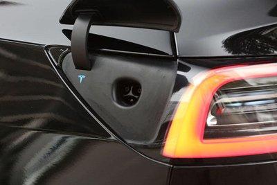 Ảnh chi tiết xe Tesla Model 3 vừa về Việt Nam a22