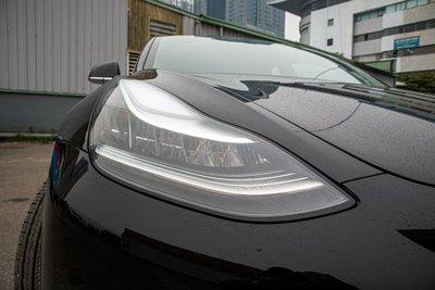 Ảnh chi tiết xe Tesla Model 3 vừa về Việt Nam a10