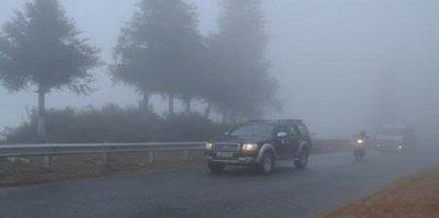 6 mẹo lái xe phòng tránh tai nạn trong thời tiết xấua