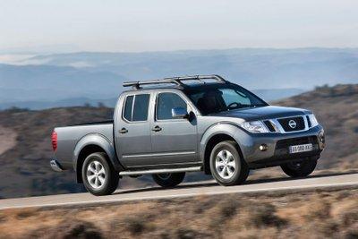 Top 5 mẫu bán tải tốt nhất đầu năm 2020 - Nissan Navara
