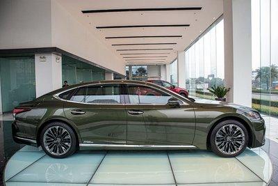 Thân xe xe Lexus LS500h 2020