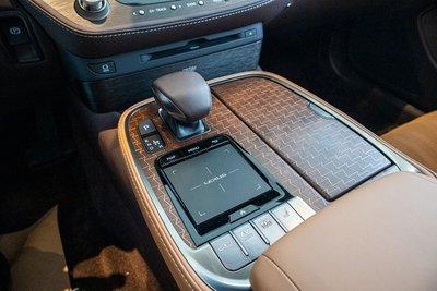 Cần số xe Lexus LS500h 2020