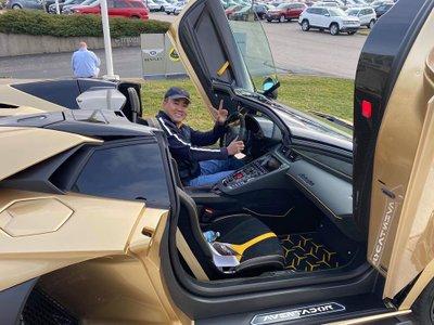 Người Việt đầu teien sở hữu Lamborghini Aventador SVJa