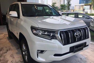 """Toyota Land Prado có mức giá bán khá """"chát"""" tại thị trường Việt 1"""