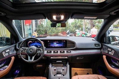 Nội thất xe Mercedes-Benz GLE300 Diesel 2020