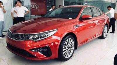 4 mẫu xe Sedan giá 1 tỷ đáng mua dịp giáp Tếts