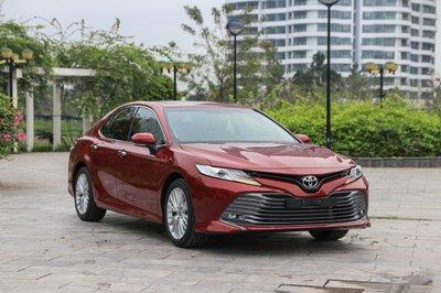 4 mẫu xe Sedan giá 1 tỷ đáng mua dịp giáp Têtá