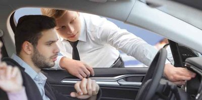 Cung cấp thông tin và các nhu cầu rõ ràng về mẫu xe đang cần.