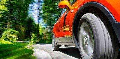 Tập trung cảm nhận thực tế các tính năng của xe.