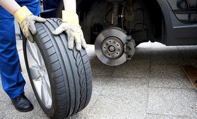 Những điều cần biết về việc chăm sóc và bảo dưỡng xe ô tô sau Tết - Ảnh 2.