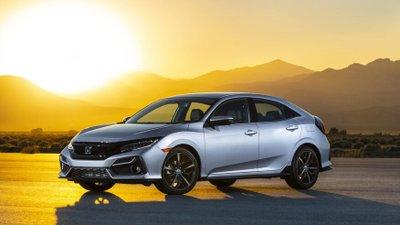 So sánh Honda Civic 2020 và Mazda 3 2020 - Honda Civic lợi thế về độ thoải mái