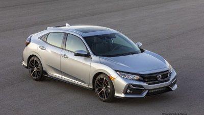So sánh Honda Civic 2020 và Mazda 3 2020 - Honda Civic tiêu thụ nhiên liệu tốt hơn