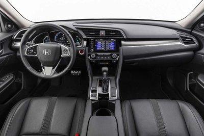 So sánh Honda Civic 2020 và Mazda 3 2020 - Civic điều khiển dễ dàng hơn
