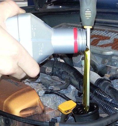 Những mẹo sửa xe ô tô hữu ích mà không cần ra tiệm. a1
