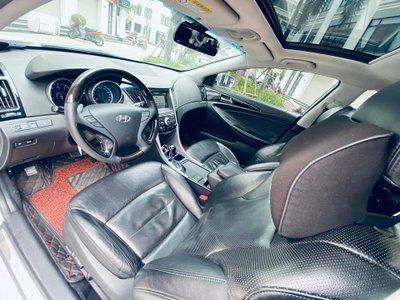 """""""Hàng hiếm"""" Hyundai Sonata nội địa Hàn cũ full trang bị, giá rao bán dưới 500 triệu đồng - Ảnh 1."""
