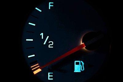 Tránh để bình nhiên liệu thường xuyên cạn 1