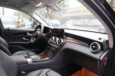 Những điểm được và mất trên Mercedes-Benz GLC 200/200 4Matic và GLC 300 4Matic 2020 a2