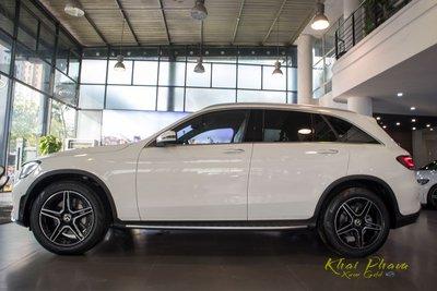 Hình ảnh thân xe Mercedes-Benz GLC 300 4Matic 2020