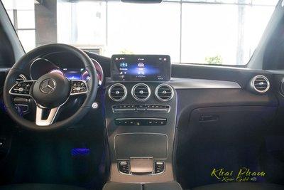 Hình ảnh táp-lô xe Mercedes-Benz GLC 300 4Matic 2020