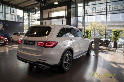 Hình ảnh sau xe Mercedes-Benz GLC 300 4Matic 2020