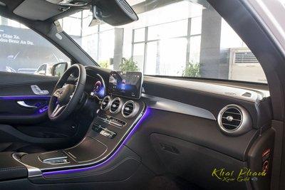 Hình ảnh táp-lô xe Mercedes-Benz GLC 300 4Matic 2020 1
