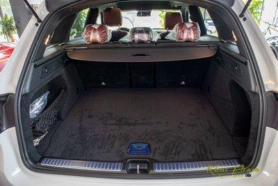 Hình ảnh cốp xe Mercedes-Benz GLC 300 4Matic 2020