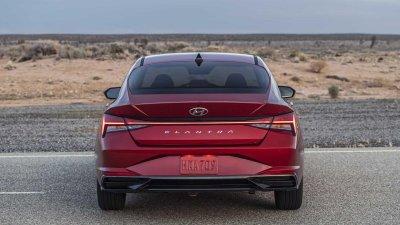 Hyundai Elantra 2021 bổ sung dòng Hybrid.