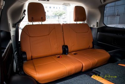 Ảnh chụp ghế 3 xe Lexus LX570 Super Sport 2020