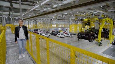 Khám phá xưởng sản xuất xe ô tô VinFast tại Hải Phòng.