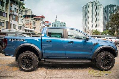 Ảnh chụp thân xe Ford Ranger Raptor 2020