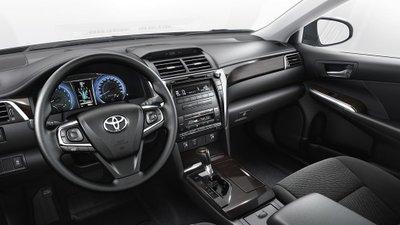 Nội thất Toyota Camry thế hệ thứ 7.