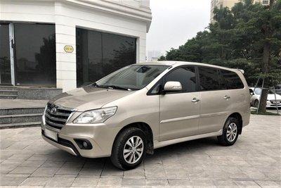 Toyota Innova 2014 1