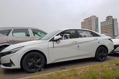 Ảnh chụp trước xe Hyundai Elantra 2021 1