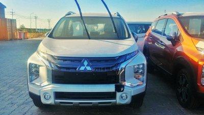 Lô xe Mitsubishi Xpander Cross 2020 đầu tiên cập bến Việt Nam...